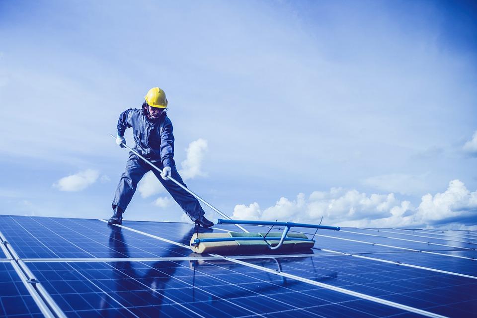 čištění solárních panelů