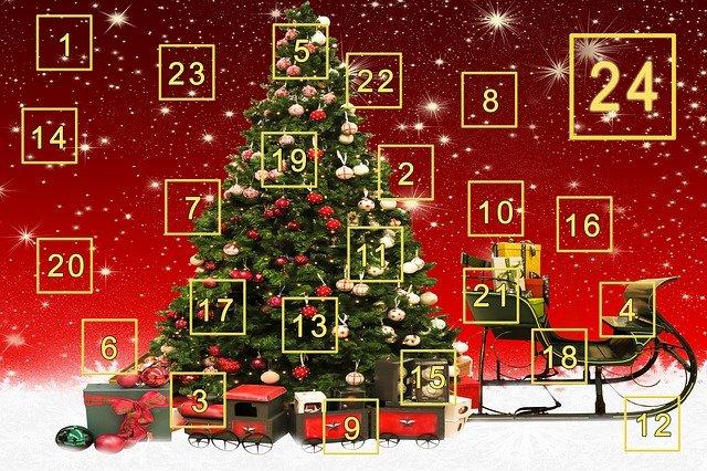 adventní kalendář se stromem