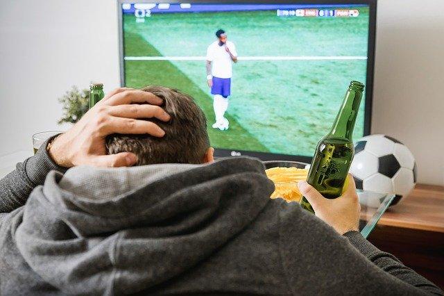 sledování fotbalu v tv
